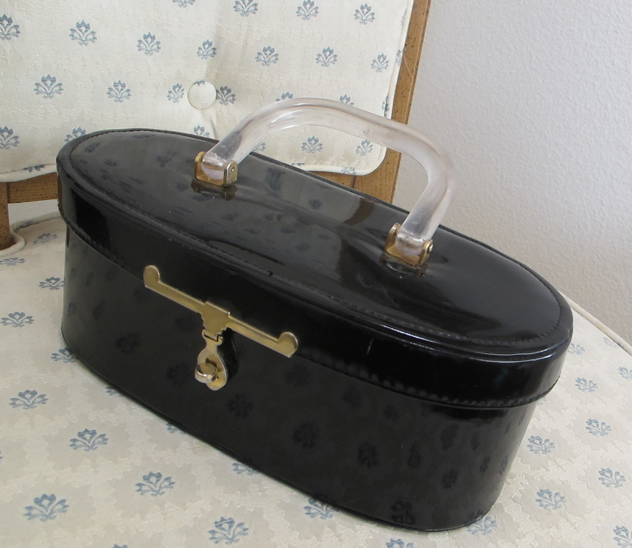 Black patent Lucite handle bag 2